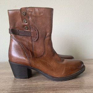 Clarks Maymie Skye Leather Brown Booties Boots 8